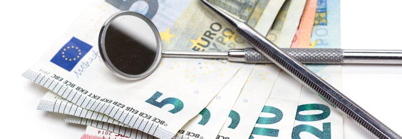 Mehrkosten bei Zahnbehandlung durch niedrigen Festkostenzuschuss