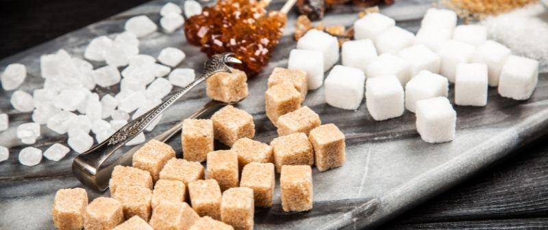 Raffinierter Industrie-Zucker, schlecht für Ihre Gesundheit aber sehr weit verbreitet.